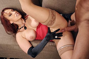 Milfs Like it Big &#8211; Nicki Hunter &#8211; The Red Widow