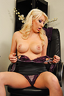 Valerie Fox02