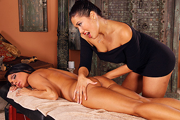 Jessica Jaymes, London Keyes lesbian sex video from Hot and Mean