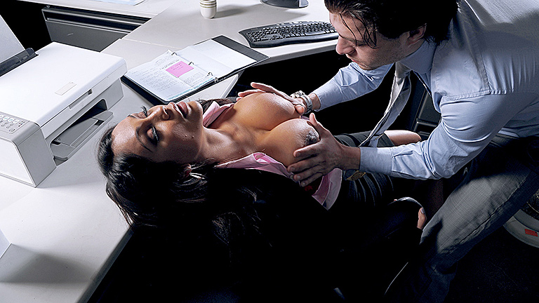 Hot-MILF-Priya-Rai-sex-in-office