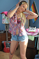 Vanessa Cage05