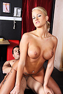 Brazzers HD video - The Figure Skank