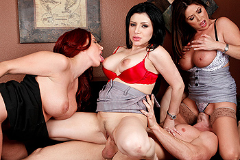 BigTitsatWork – Kelly Divine, Kianna Dior, Sativa Rose – IT's Day Dreams