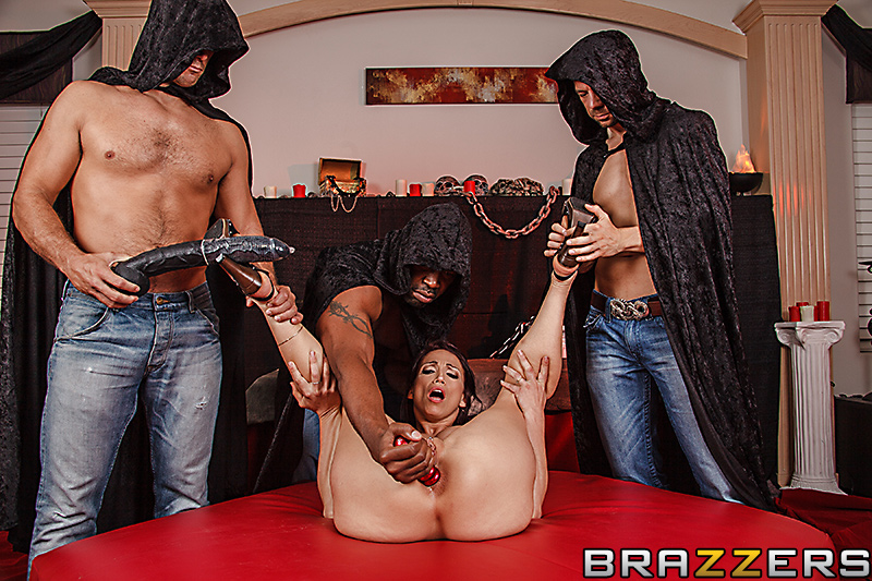 Nicki hunter sex and submission