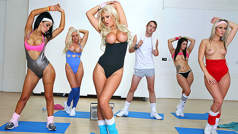Sex-with-sexy-blonde-in-aerobics-class,-xxx-video