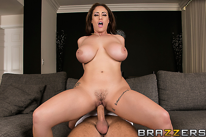 Sheila licks the creampie after i039m done