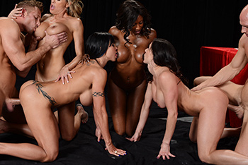 Big Tits In Sports &#8211; Diamond Jackson, Jewels Jade, Brandi Love, Kendra Lust &#8211; Miss Titness America