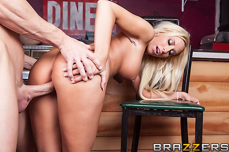 static brazzers scenes 7064 preview img 05