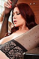 Tiffany Mynx10