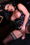 Tara Blows10