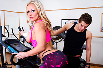 Mommy Got Boobs &#8211; Austin Taylor &#8211; Tits Over Training