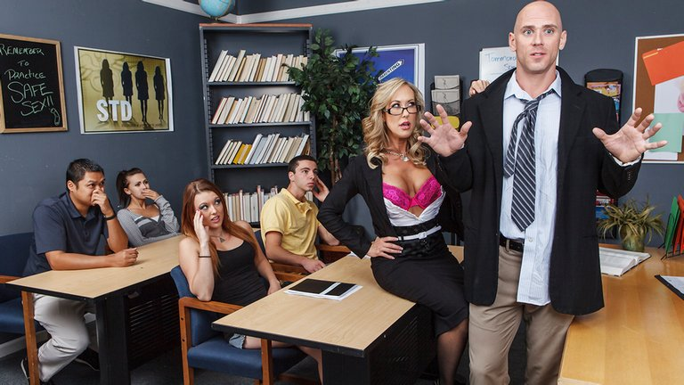 Hot-blonde-college-professor-with-big-boobs,-xxx-video
