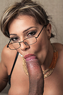 Esperanza Gomez 08
