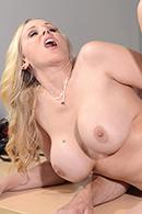 Julia Ann14