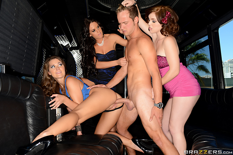 ������� ������� / Abby Cross, Rahyndee James, Mary Jane Mayhem (Party Down with the Puny Boy) (2014) SiteRip