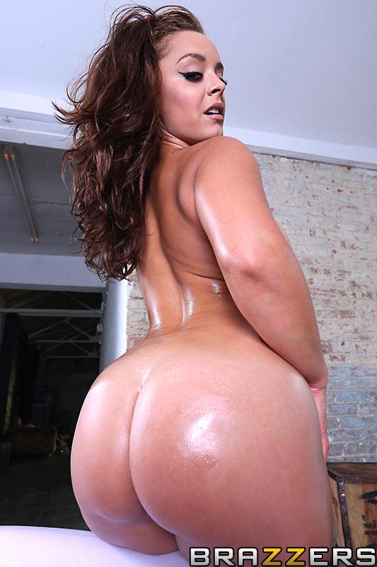 Первый анальный секс для Liza Del Sierra