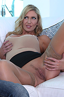 Milf fuck by money