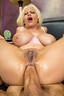 Holly Brooks05