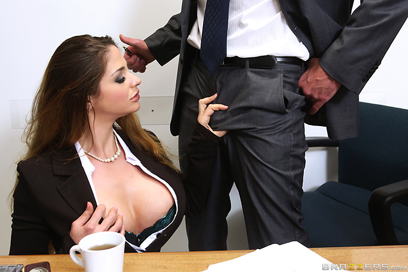 порно фото мінет в призервативі