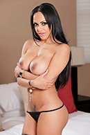 Brazzers porn movie - Make It Up To Me With A Threesome