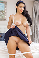 Noelle Easton11