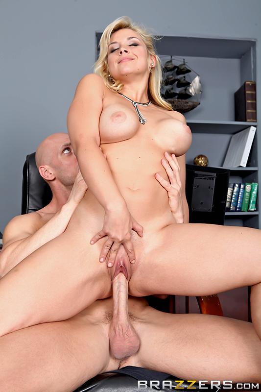 Зацени мои совершенно новые сиськи / Sarah Vandella (Check Out My Brand New Tits) (2014) SiteRip