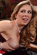 Cherie Deville, Cali Carter03