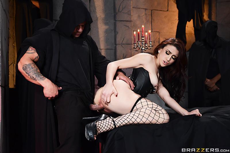 Тайный ритуала с анальными наклонностями