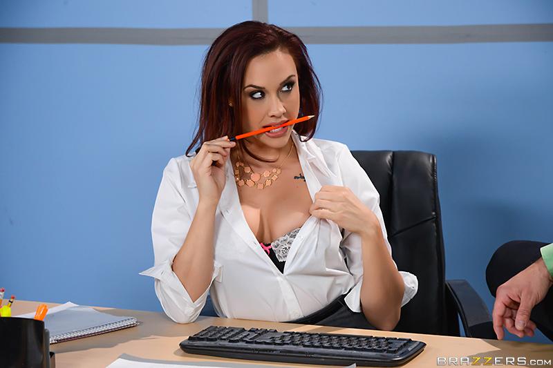 Chanel Preston самая жаркая и сексуальная секретарша