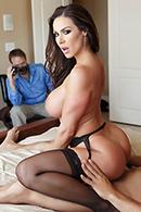 Kendra Lust13
