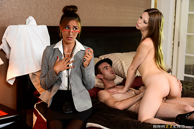 Brazzers Exxtra – A Reporter In The Rough – Rilynn Rae & Danny D