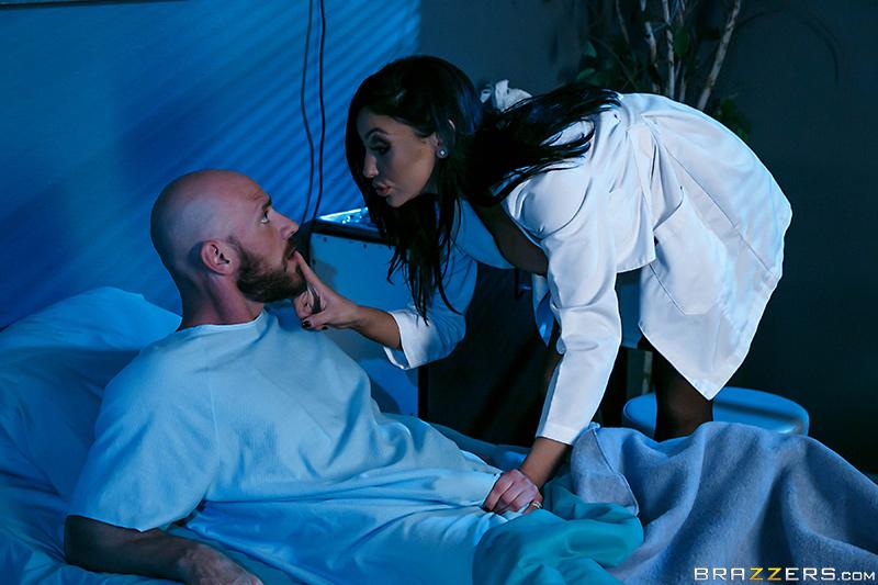 Страстная ночь в больнице с докторшей