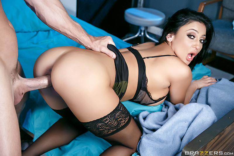 The Insomniac Sucker - Audrey Bitoni & Johnny Sins