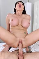 Eva Karera05