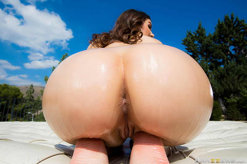 Valentina nappi bubble butt anal slut