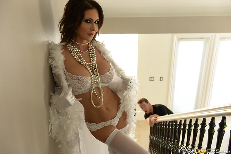 Jessica Jaymes - Mommy Got Boobs - Brazzers - Pearly Whites