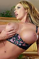 Eva Notty04