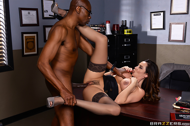 Milf Squad Vegas: You're Off The Case Ferrera! - Ariella Ferrera & Sean Michaels