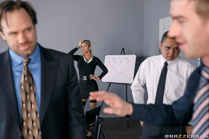 Секс с начальницей лучшее поощрение