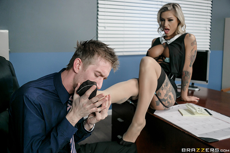 Kleio Valentien - Brazzers - Big Tits At Work - The C.E.Hoe