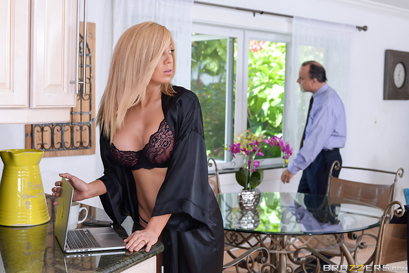 Parker Swayze - Brazzers - Milfs Like It Big - Expose Yourself to MILFS