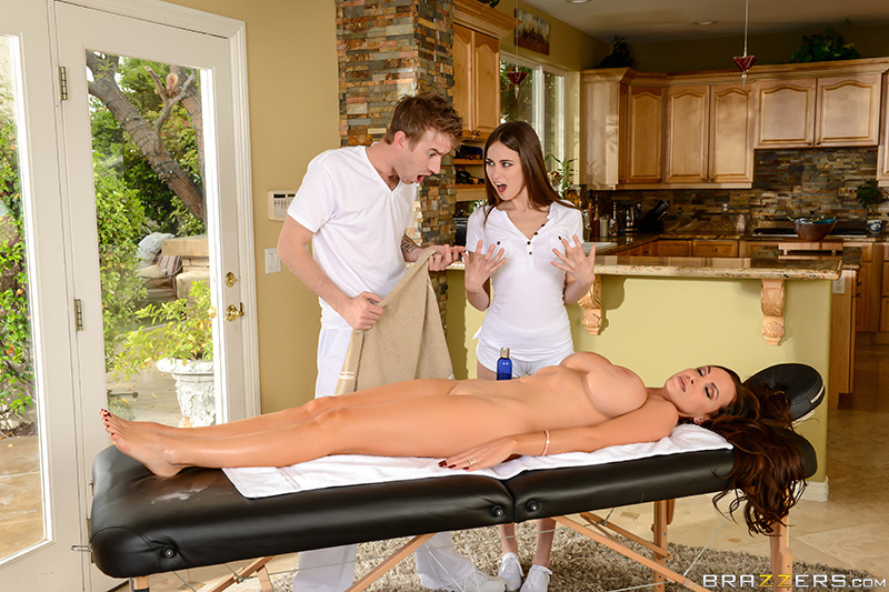 Nikki Benz, Riley Reid - Brazzers - Dirty Masseur - 2 For 1 Fun